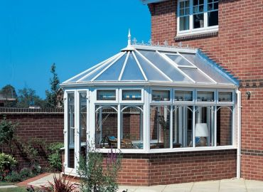 Polycarbonate roof with roof vents